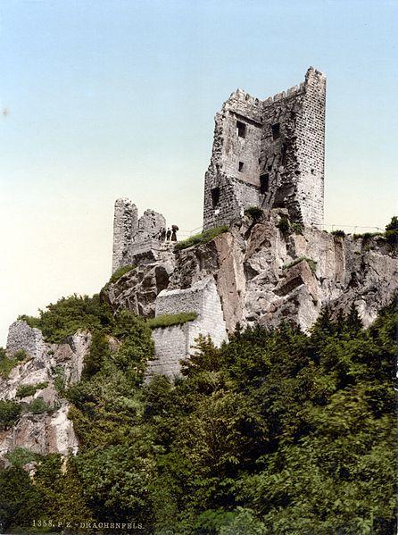 446px-RuineDrachenfels1900