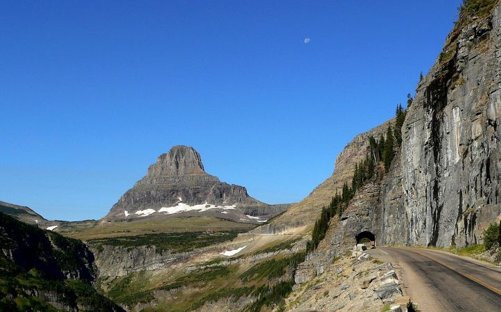Going-to-the-Sun Road wikimedia
